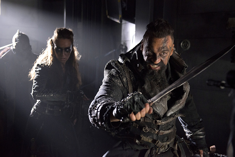 """The 100 -- """"Long Into an Abyss"""" -- Image: HU207a_0059 -- Pictured (L-R): Alycia Debnam-Carey as Lexa and Aleks Paunovic as Gustus -- Photo: Cate Cameron/The CW -- © 2014 The CW Network, LLC. All Rights Reserved"""