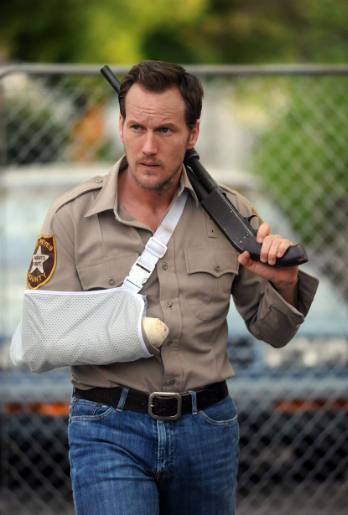 "Allá va Patrick Wilson en ""The Hollow Point"" con un spoiler al final del brazo"
