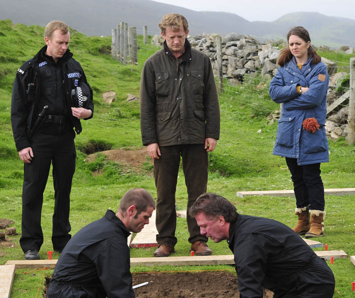 Programme Name: Shetland - TX: n/a - Episode: n/a (No. 1) - Embargoed for publication until: 05/03/2013 - Picture Shows: Sandy Wilson (STEVEN ROBERTSON), Jimmy Perez (DOUGLAS HENSHALL), Tosh (ALISON O'DONNELL) - (C) ITV Studios - Photographer: Neil Davidson